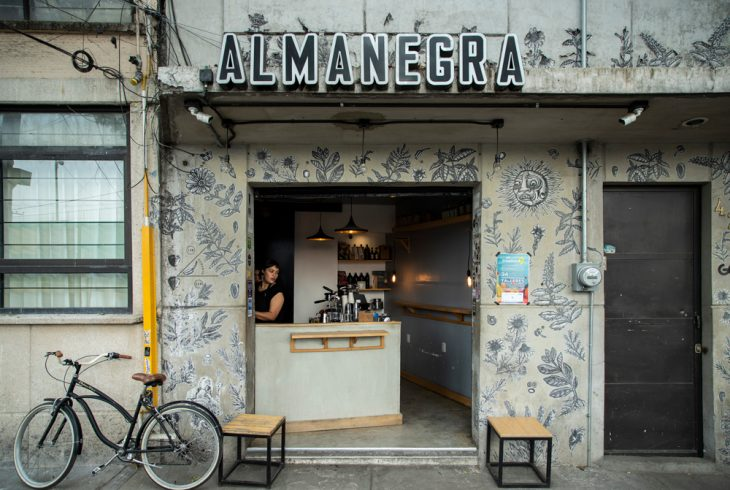 Almanegra Café