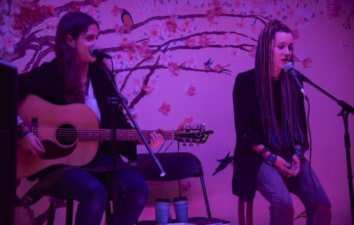 Sara Búho y Lena Carrilero