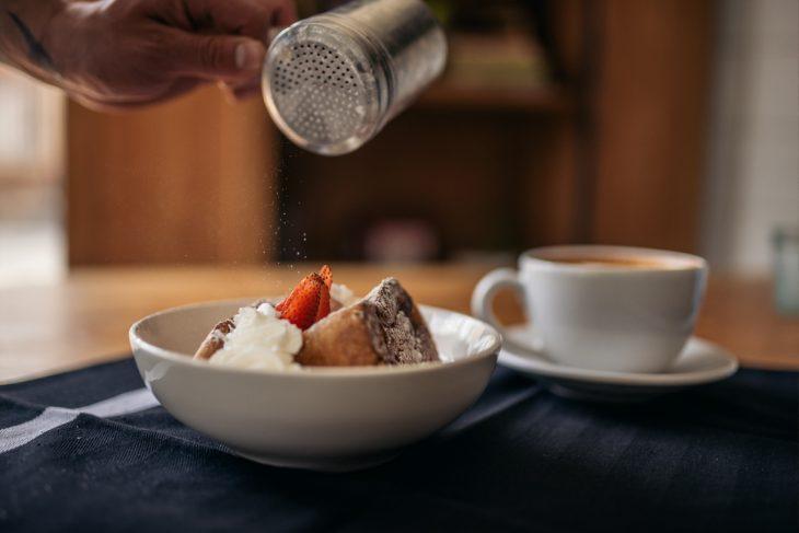 Café & Tocino