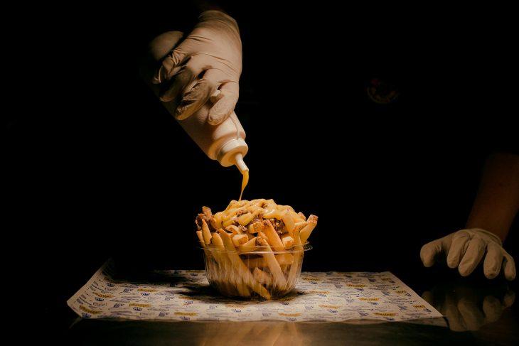 Papas fritas, doradas, perfectas